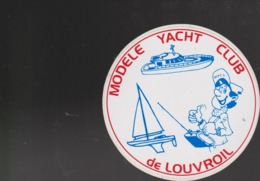 Autocollant Ancien YACHT CLUB LOUVROIL - Pegatinas