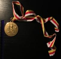 Football Soccer Winner Medal 1984. Year Sport - Uniformes Recordatorios & Misc