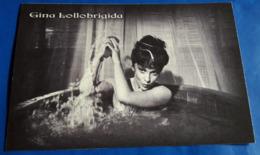 GINA LOLLOBRIGIDA # Italian Actress :: Sexy Pin-Up Portrait (halb-nackt/nude/nu) # Modern Photo-PostCard # [19-2932] - Attori