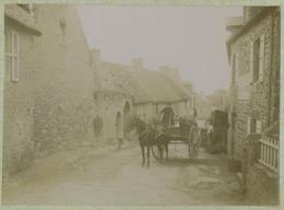 Environs De Coutainville Circa 1900. Attelage Dans Une Rue à Situer. Normandie. - Bateaux