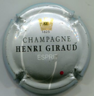 CAPSULE-CHAMPAGNE GIRAUD Henry N°10a Esprit Fond Gris Avec Point Rouge - Other