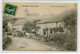 70 MONTARLOT Carte RARE Route Du Village Vaches Et Habitants 1908 écrite Timb  Edit Tissot    D18 2019 - France