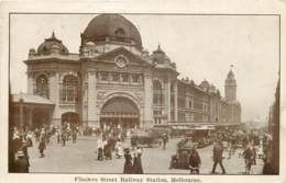 Australia - Victoria - Melbourne - Flinders Street Raiway Station - Melbourne