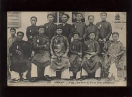 Annam Hué Les Frères Du Roi Et Leurs Précepteurs édit. Dieulefils N° 1004 - Vietnam