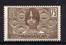 MADAGASCAR - 173* - FEMME BETSILEO - Neufs
