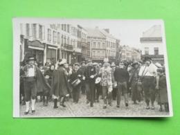 DIMANCHE GRAS À BINCHE EN 1937 LA LOUVIÈRE HAINAUT WALLONIE BELGIQUE CARTE - PHOTO CARTE POSTALE PHOTOGRAPHIE ENSEIGNE - Binche
