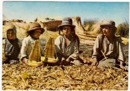 PERU' - PUNO - LAGO TITICATA - NINOS - UROS EN LAS ISLAS FLOTANTES - 1985 - Vedi Retro - Perù