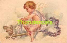 CPA EN RELIEF GAUFREE ANGE  EMBOSSED CARD ANGEL KEY ( PLI - CREASE ) CLAPSADDLE - Angels