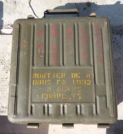 Caisse Pour Trois Obus De Mortier Français De 8Cm Equipement Armes Neutralisées Grenades Mines Autres - 1939-45