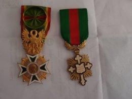 2 Décorations Civile Médailles De La Société D'encouragement Au Dévouement Et Courage Dévouement Et Mérite - Medals