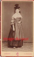 PHOTO ANCIENNE CDV  COSTUME TRADITIONNEL BRESSANE PHOTO CANARD A LOUHANS SAONE ET LOIR - Anciennes (Av. 1900)
