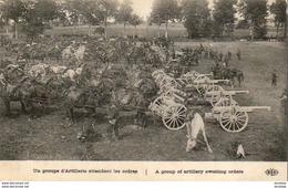 GUERRE 1914- 1918  WW1  Un Groupe D' Artillerie Attendant Les Ordres   ... - Guerra 1914-18