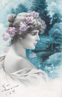 CPA  Précurseur- Jolie Carte Fantaisie - Portrait Femme Avec Couronne De Fleurs Dans Les Cheveux-  (lot Pat 86) - Frauen