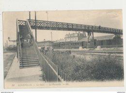 54 LUNEVILLE LA GARE LA PASSERELLE CPA BON ETAT - Luneville