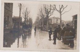 84 AVIGNON INONDATIONS  CARTE PHOTO  BARTESAGO ( Cachet Sec A Droite) - Avignon