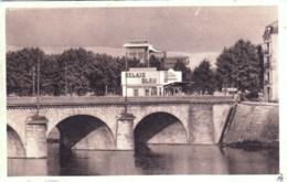 42 - Loire - ROANNE - Le Relais Bleu - Syndicat D Initiative - Ravitaillement Carburants Et Huiles - Roanne