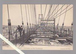 Nantes / Le Pont Transbordeur Le Tablier Avec 2 Personnages / ND145 - Nantes