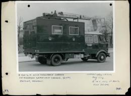 Original Photograph - 2 Ton GU Truck & Turntable Post Office Engineering-  (U.K.) - 1954 (20 X 15.5cm) - Autres