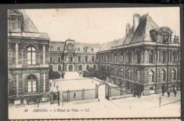 CPSM. France. Amiens. L'Hôtel De Ville. Ecrite. - Monuments