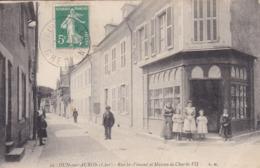 CPA DUN SUR AURON RUE ST VINCENT ET MAISON DE CHARLES VII - Dun-sur-Auron