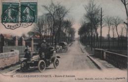 VILLERS-BRETONNEUX - Route D'Amiens. Animée (calèche, DE DION-BOUTON) - Villers Bretonneux