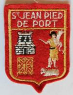 écusson Ancien Blason Brodé Saint Jean Pied De Port Armoiries - Ecussons Tissu