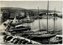 83 SAINT TROPEZ Cpsm Grand Format Ensemble Du Port Voiliers - Saint-Tropez