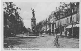 COSNE - Place De La République - Cosne Cours Sur Loire