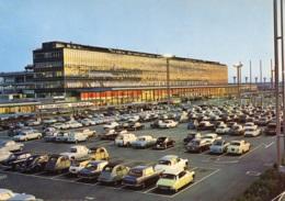 VW Käfer,Citroen 2 CV,DS,Renault R4,Mini,Simca Aronde,Peugeot 403,404,203...Flughafen/Aeroport,Paris Orly, Gelaufen - Voitures De Tourisme