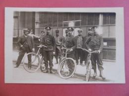 PARIS  ( 75 )  CARTE PHOTO De La GREVE Des POSTIERS - Bureau De La Rue St FERDINAND  ( LUXE & RARE ) - Distretto: 17
