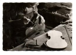 MIRECOURT (88) - Le Luthier - Mirecourt