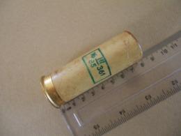 Cartouche Pour Lance Fusée Verte En Carton Datée 85 - Equipo