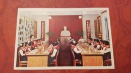 KOREA NORTH  Postcard - Pyongyang  - Pioneer Palace - Propaganda  / Comrade Kim Il Sung Sculpture - Korea (Noord)