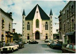 44 .. GUEMENE - PENFAO .. L'EGLISE .. 1984 .. MAGASIN RADAR JUNIOR .. MERCEDES .. PEUGEOT 504 - Guémené-Penfao