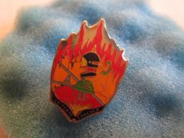 C Pin's Pin S Pompiers La Ferté Gaucher - Bomberos