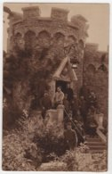 Carte Photo Militaria MESVRES Groupe De Soldats 100 ? Sur Le Col Château Tour - France