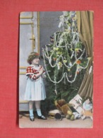 Christmas Tree With Young Girl With Presents >   Ref 3687 - Noël