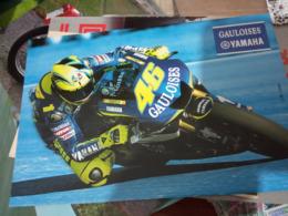 MOTO CORSA  MOTO GP  VALENTINO ROSSI  46 SU YAMAHA  N2015  HF1243 - Motociclismo