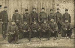 Carte Photo 14e 4e Cie Campagne 1914 1915 Militaires Fusils Pointés RV - Photographie