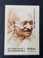 MADAGASCAR 1999 IMPERF SET SERIE ND - PERSONNAGES CELEBRES 20 SIECLE MAHATMA GANDHI RARE MNH - Mahatma Gandhi