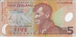 BILLETE DE NUEVA ZELANDA DE 5 DOLLARS DEL AÑO 2009 (BANKNOTE) (pinguino-penguin) - Nieuw-Zeeland