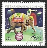 VIETNAM Du NORD 1973 - YT 811 - Elephant Au Cirque   - Oblitéré - Vietnam