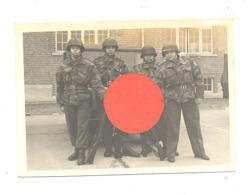 Photo ( +/- 7 X 10 Cm ) - Armée Belge - Groupe De Militaires En Tenue Et En Armes (b267) - Guerre, Militaire