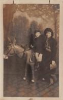 Carte Photo - Enfant - Jeu - Jouet - âne - Postcards