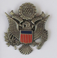 1 Pin's MILITAIRE -  USA EMLEME DES ETATS UNIS BLASON E PLURIBUS UNUM / AIGLE Double Attaches - Militari
