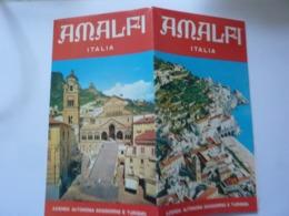 """Pieghevole Illustrato """"AMALFI ITALIA Azienda Di Soggiorno E Turismo"""" Amalfi, 1980. - Dépliants Turistici"""