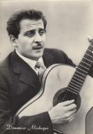 9585-DOMENICO MODUGNO CON LA CHITARRA-FG - Musica E Musicisti