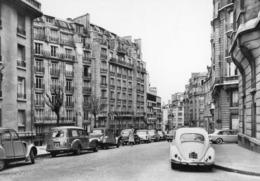 PARIS - Rue Raynouard, 2 CV, Coccinelle.... - PHOTO - Distrito: 16