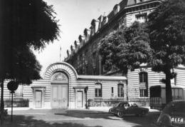 PARIS - Caserne De Pompiers Menil-Montant - District 20