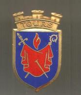 Insigne , Email, TOURS ,  Blason, 2 Scans, Chobillon ,Paris ,  Frais Fr 1.55 E - Badges & Ribbons